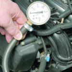 Как замерить давление топлива на ВАЗ 2110
